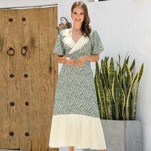 A-Linie Kleid mit Bluemchen Muster, Kontrast Einsatz, Falten und Ruesche
