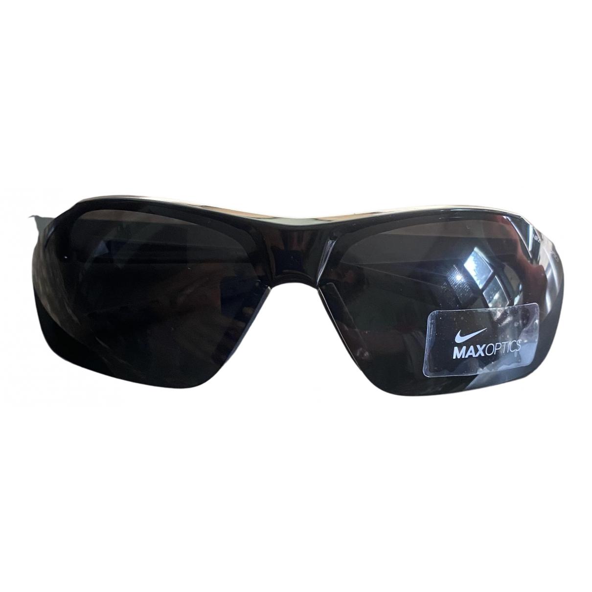 Nike \N Sonnenbrillen in  Grau Kunststoff
