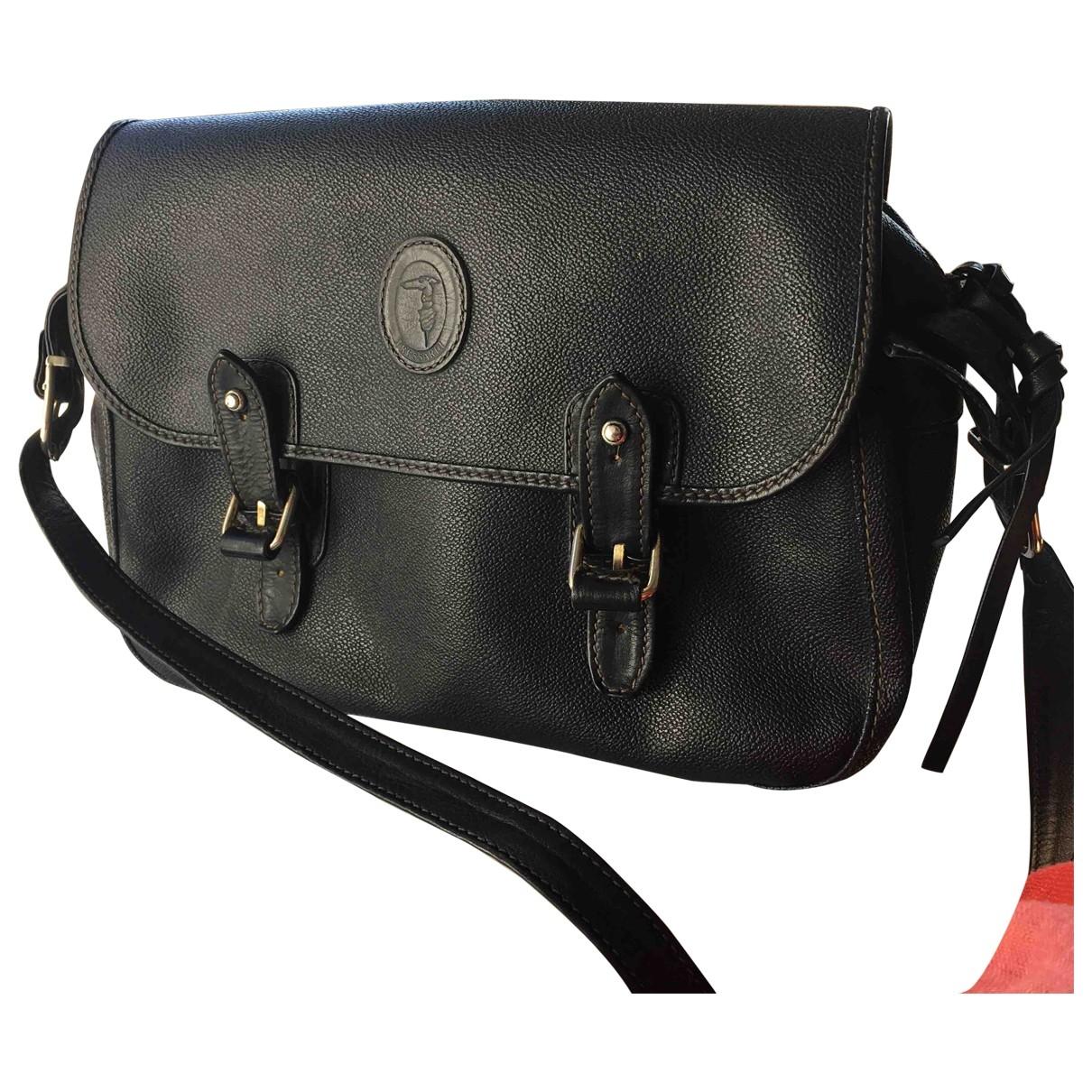 Trussardi \N Handtasche in  Schwarz Leder