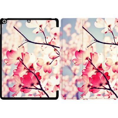 Apple iPad 9.7 (2017) Tablet Smart Case - Dialogue With The Sky von Joy StClaire