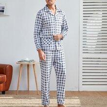 Men Geo And Letter Graphic Pajama Set