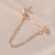 Faux Pearl Moon Decor Chain Ear Cuff