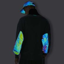 Reflektierender Pullover mit Farbblock, hohem Kragen und Kontrast