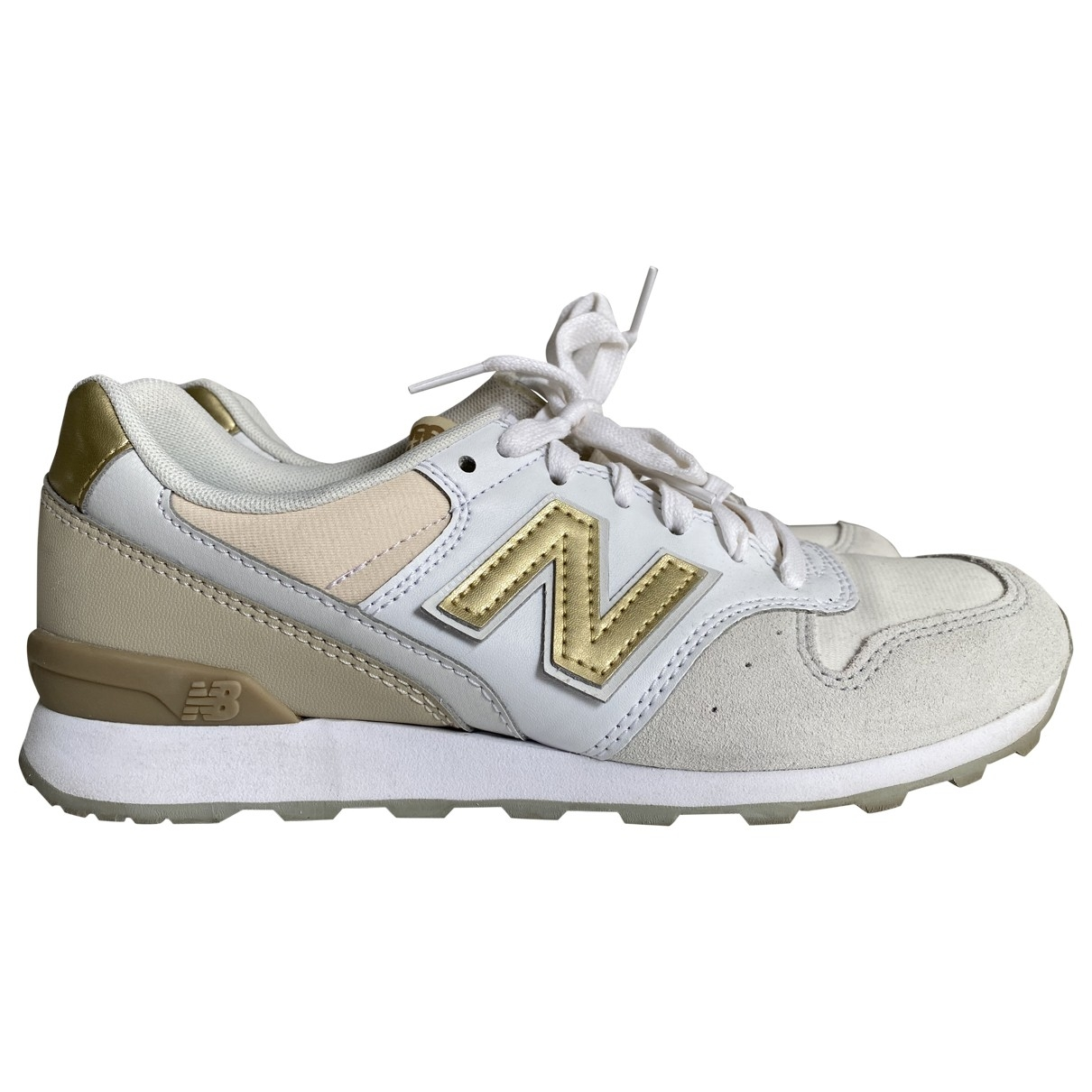 New Balance \N Beige Leather Trainers for Women 37 EU