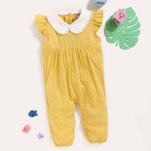 Baby Maedchen Jumpsuit mit Kontrast Peter Pan Kragen und Raffungsaum
