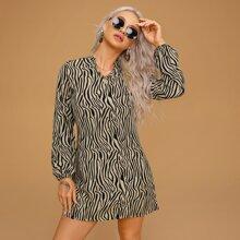 Tunika Kleid mit Zebra Streifen und eingekerbtem Kragen
