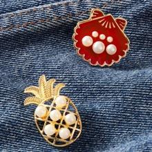 2pcs Faux Pearl Decor Pineapple & Shell Design Brooch