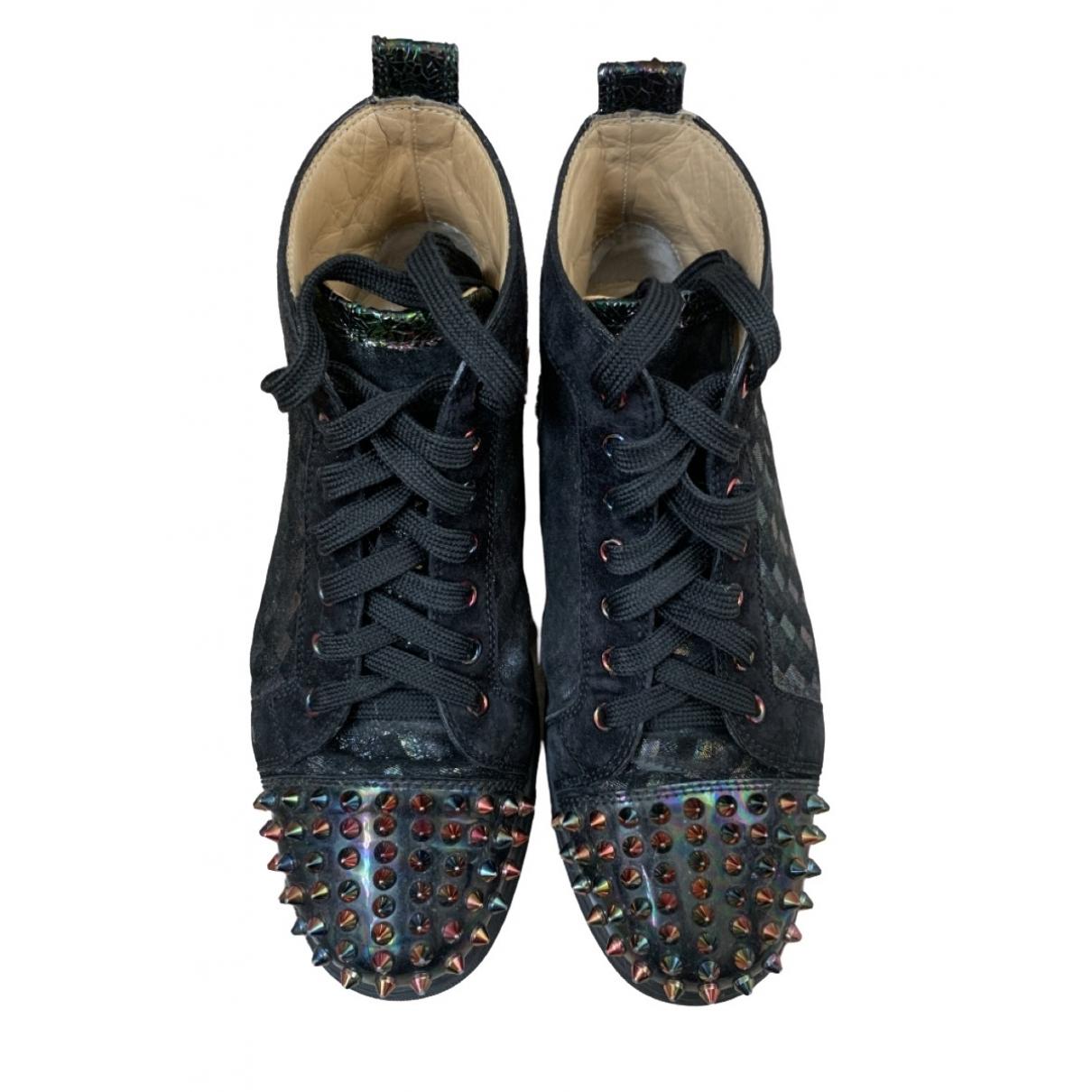 Christian Louboutin Lou Spikes Sneakers in  Schwarz Veloursleder
