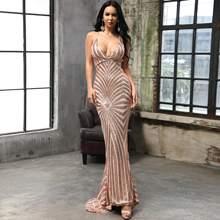 Figurbetontes Kleid mit tiefem Kragen, Geo Muster und Pailletten