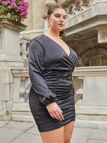 Plus Solid Surplice Front Bodycon dress