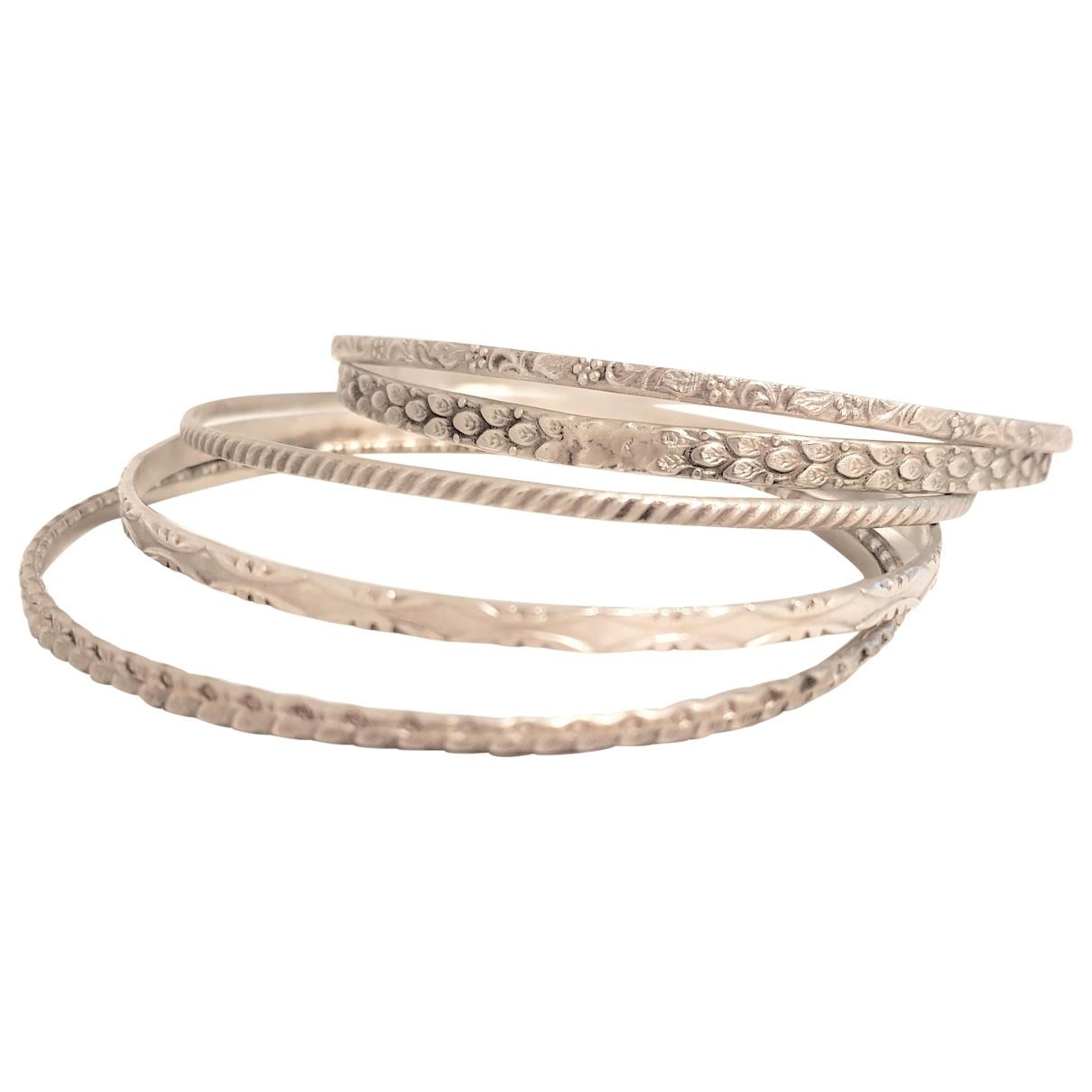 Non Signé / Unsigned Jonc Grey Silver bracelet for Women \N