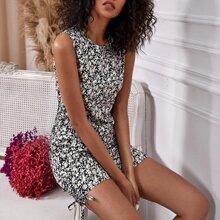 Vestido con estampado floral con cordon lateral