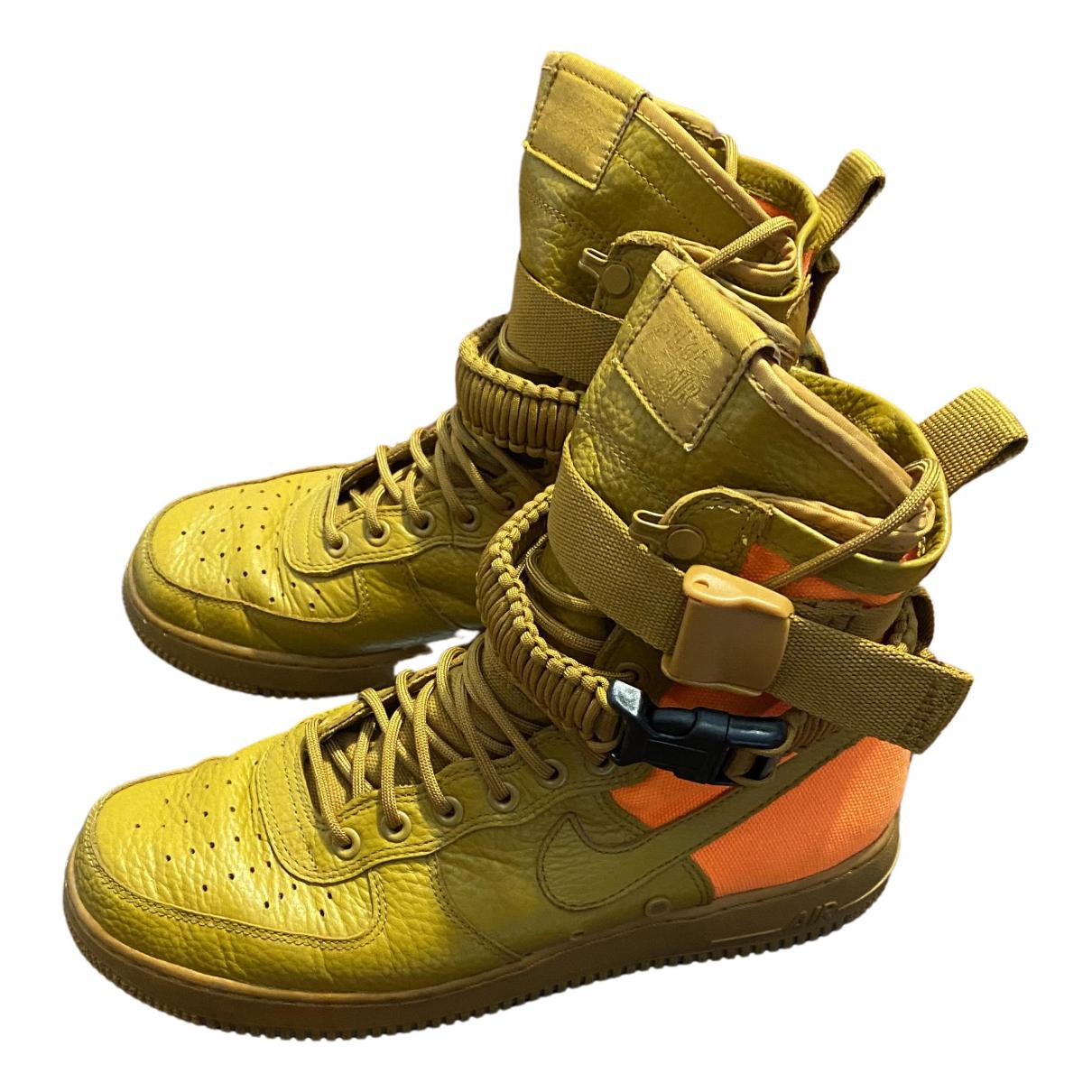 Nike - Baskets SF Air Force 1 pour homme en toile - orange