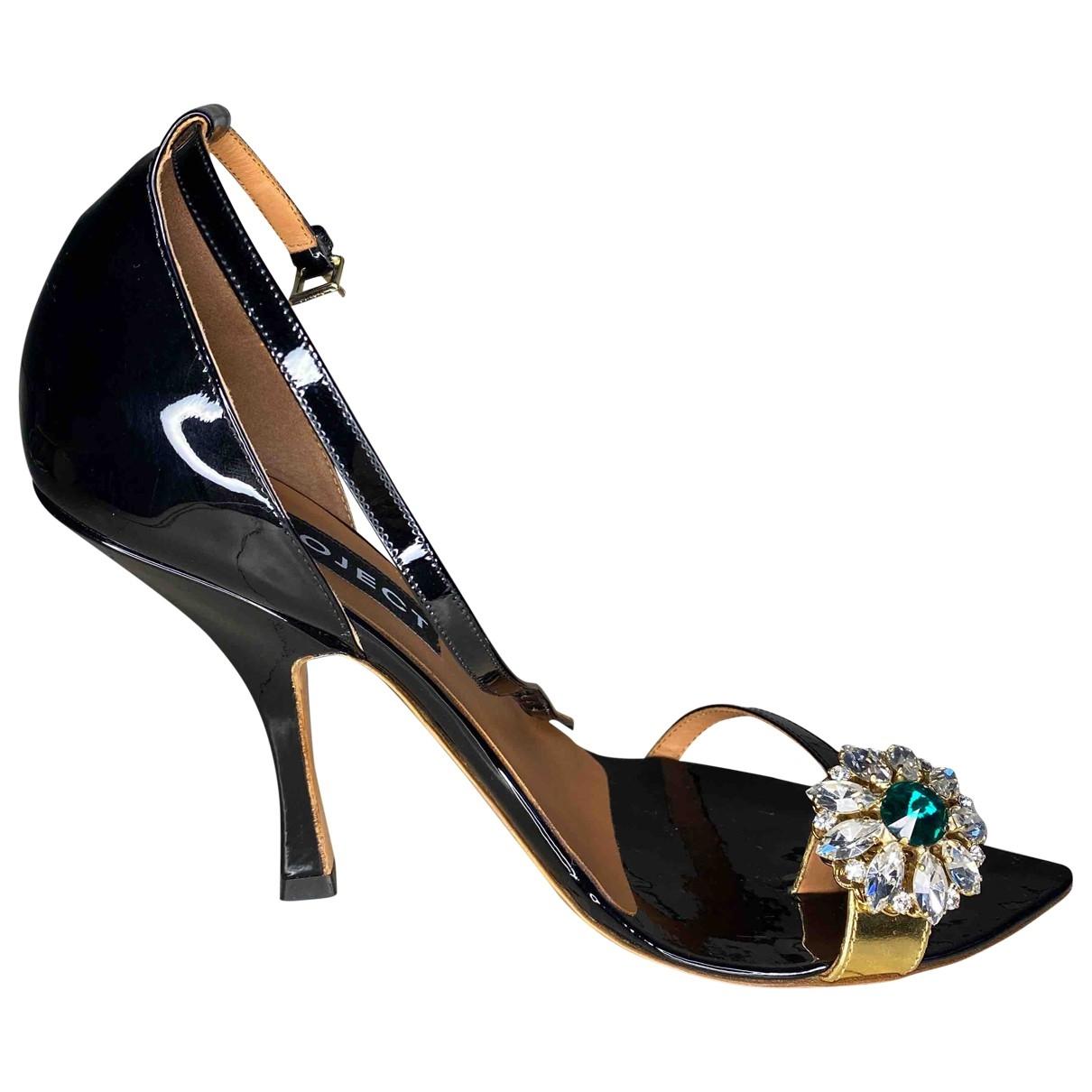 Y/project - Sandales   pour femme en cuir verni - noir