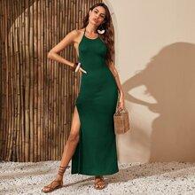 Kleid mit offener Rueckseite, seitlichem Schlitz und Neckholder