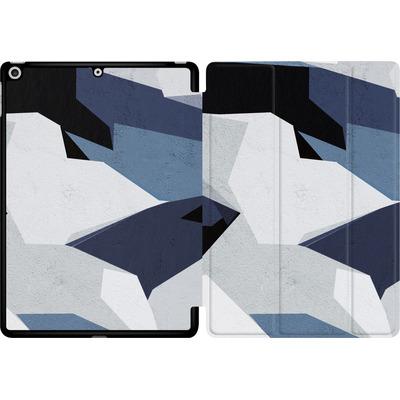 Apple iPad 9.7 (2017) Tablet Smart Case - Geometric Camo Blue von caseable Designs