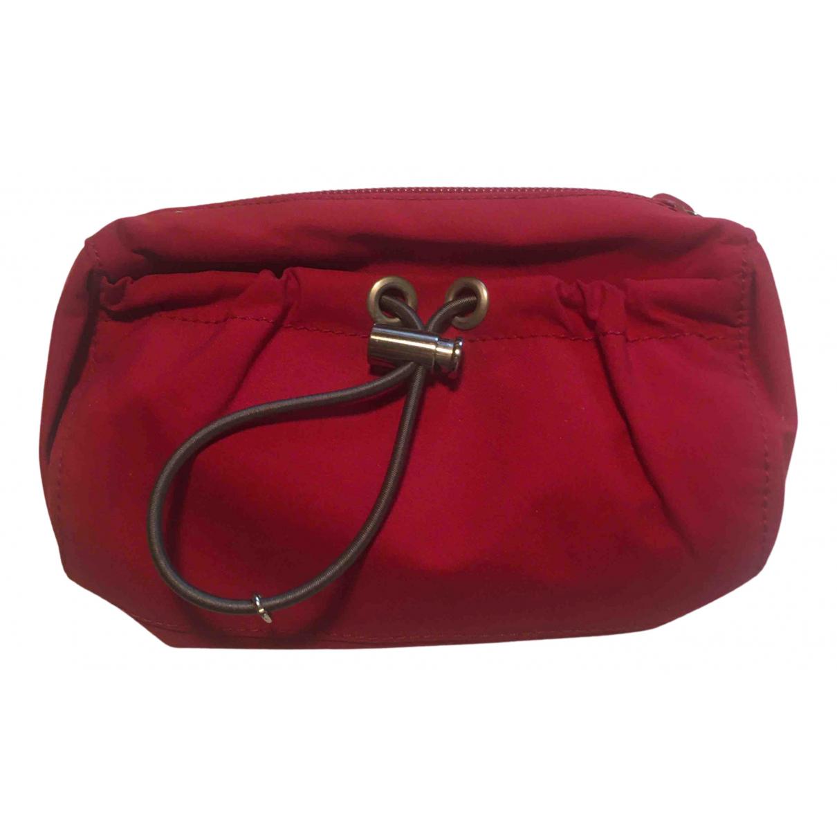 Prada \N Clutch in  Rot Polyester
