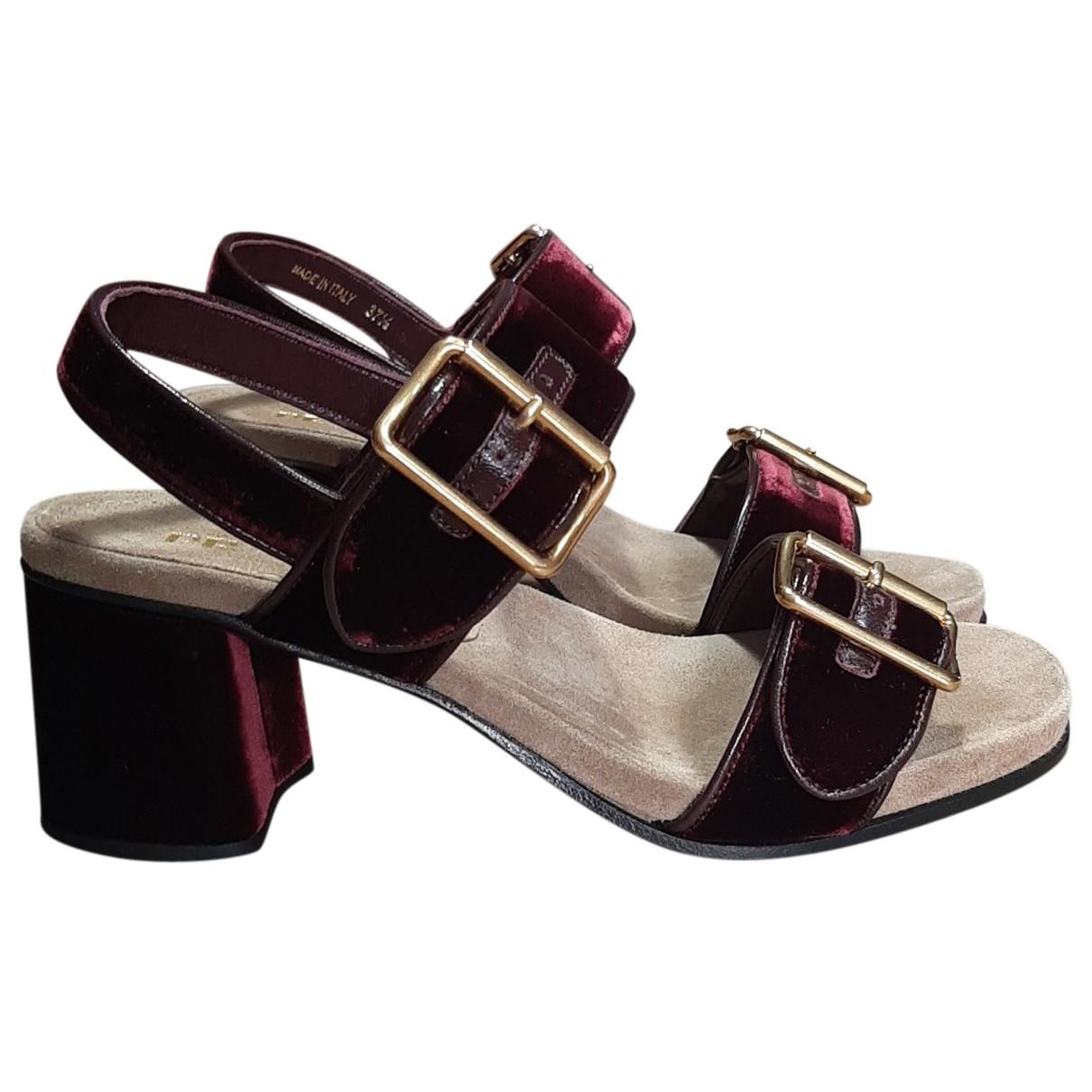 Prada - Sandales   pour femme en velours - bordeaux