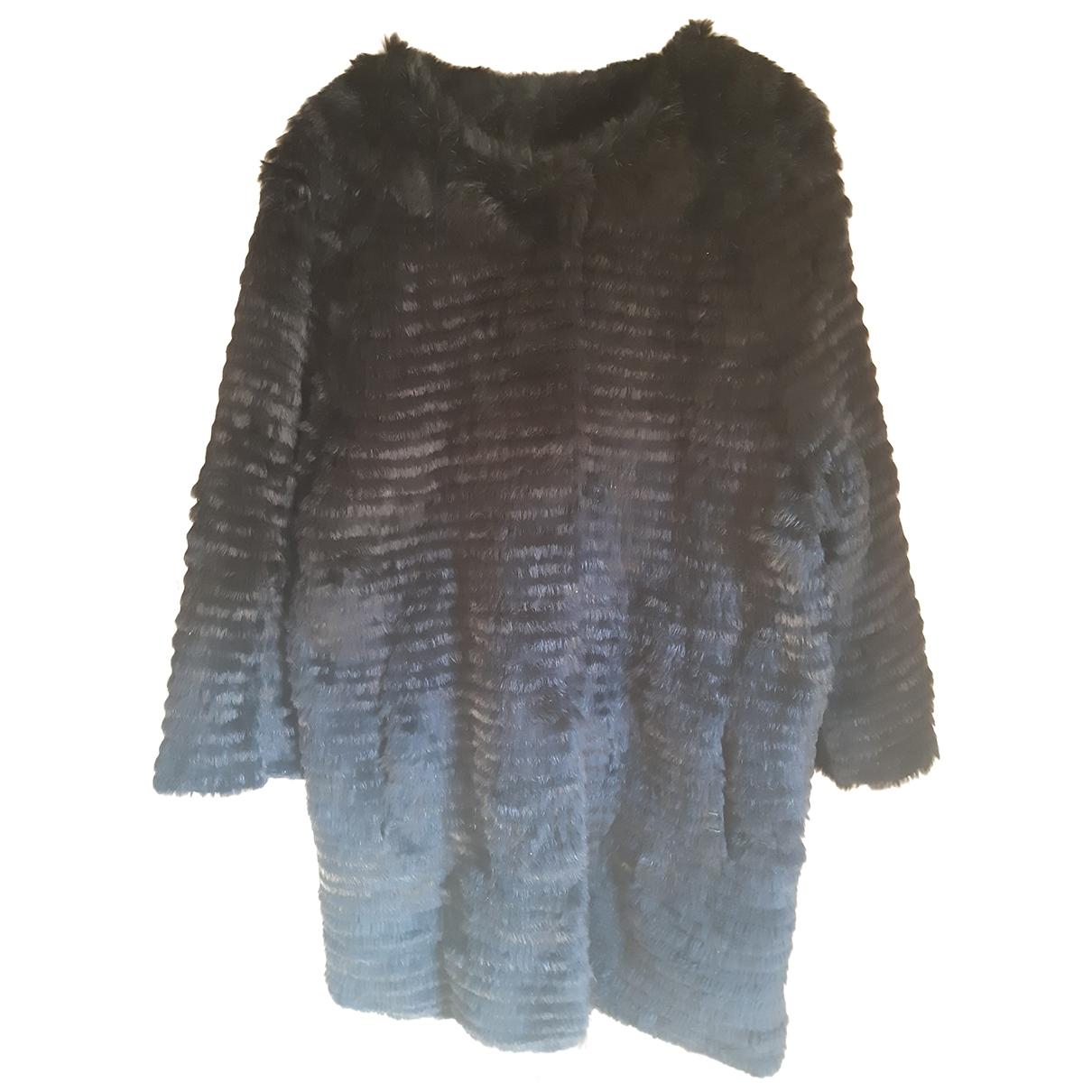 Non Signé / Unsigned \N Black Rabbit coat for Women 44 IT
