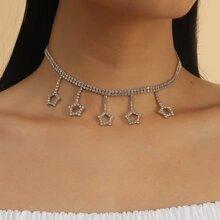 Halsband mit Stern Dekor und Quasten