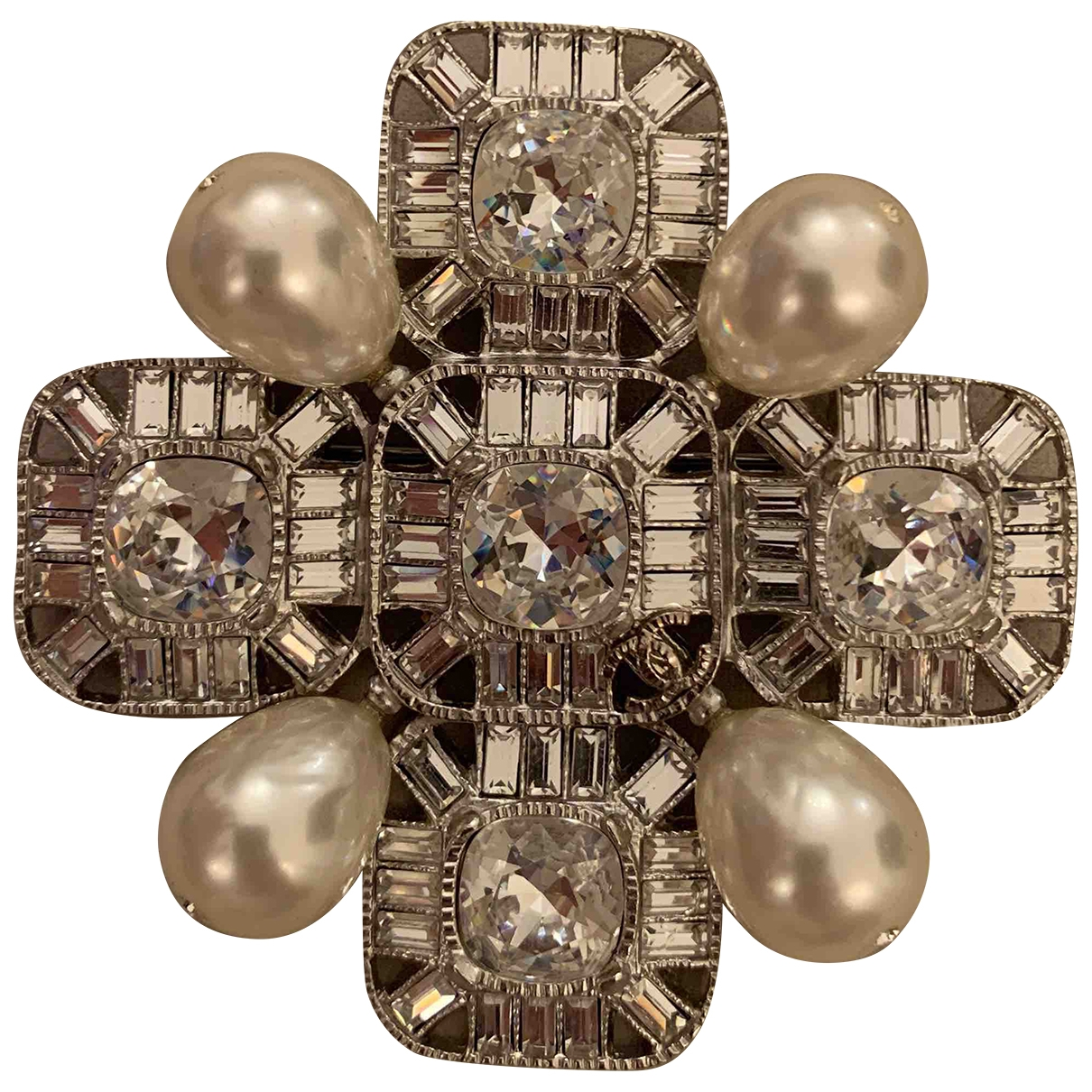Broche en Metal Plateado Chanel