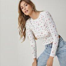 Crop T-Shirt mit Spitzen und Gaensebluemchen Muster