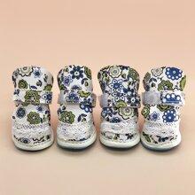 4 Stuecke Hund Schuhe mit Blumen Muster und Klettverschluss