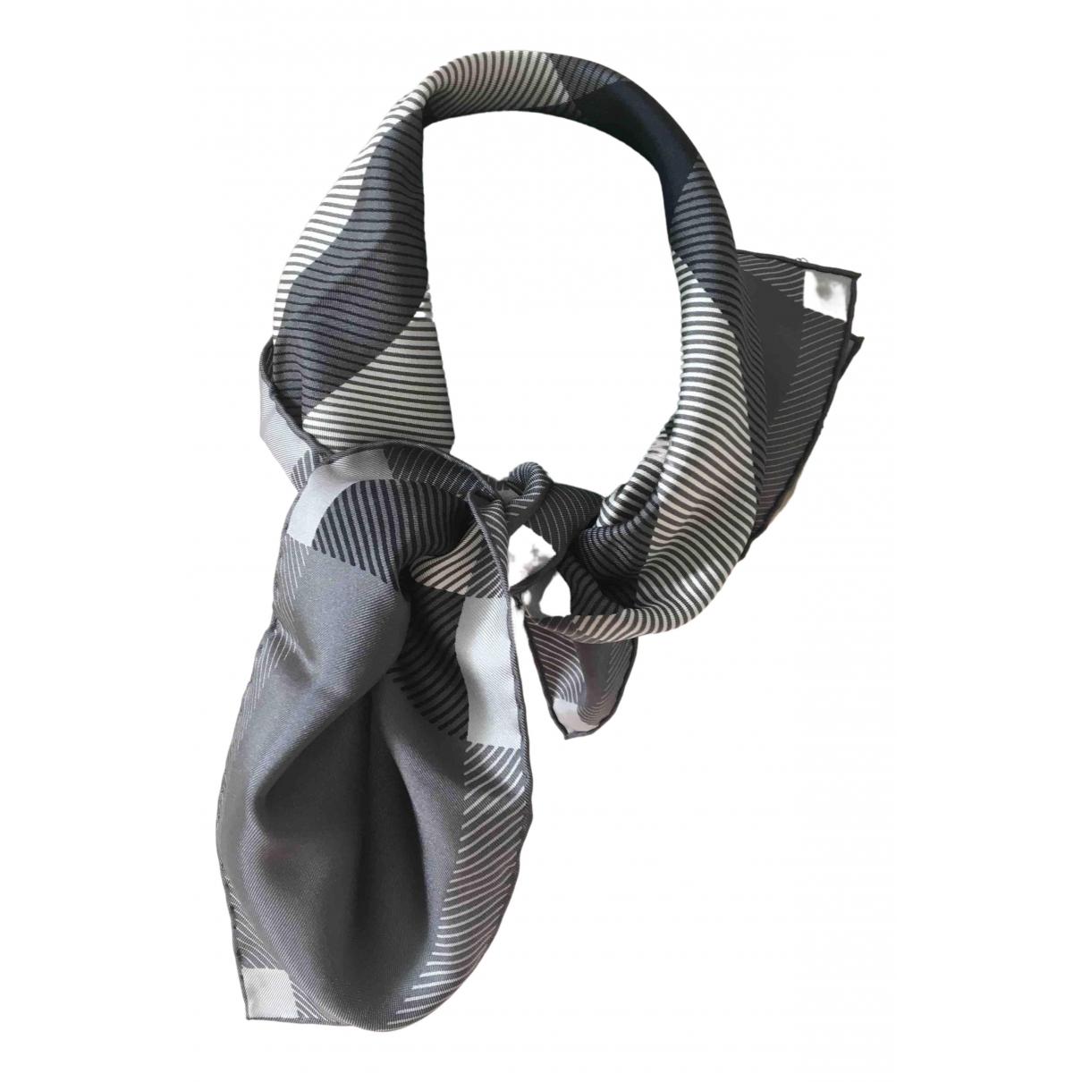 Burberry - Carre   pour femme en soie - gris