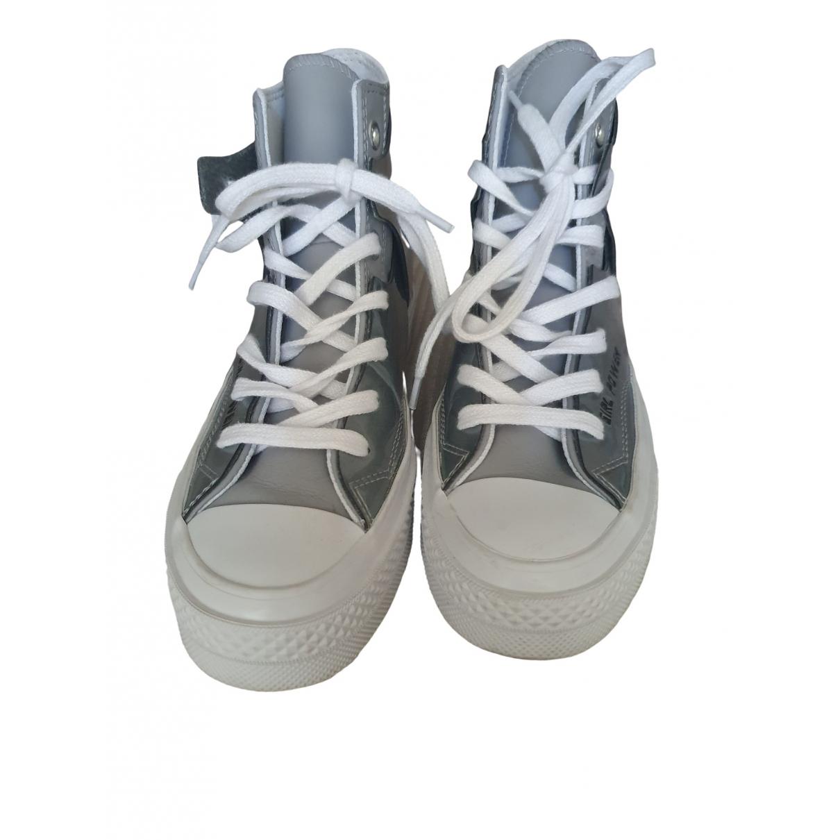 Converse \N Sneakers in  Silber Kunststoff