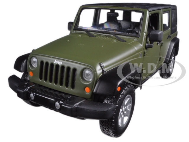 2015 Jeep Wrangler Unlimited Green with Black Top 1/24 Diecast Model Car by Maisto