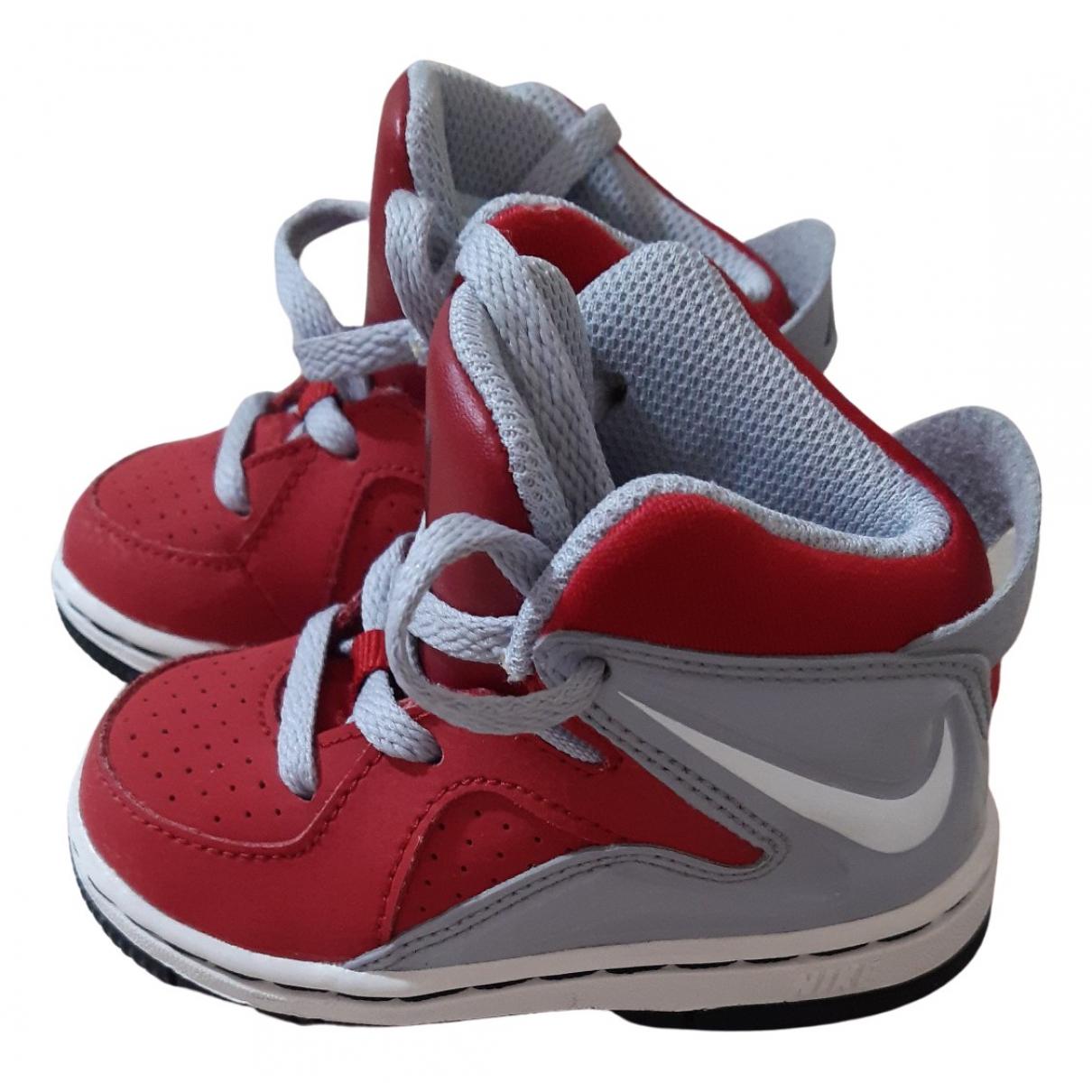 Nike - Baskets   pour enfant en cuir - rouge