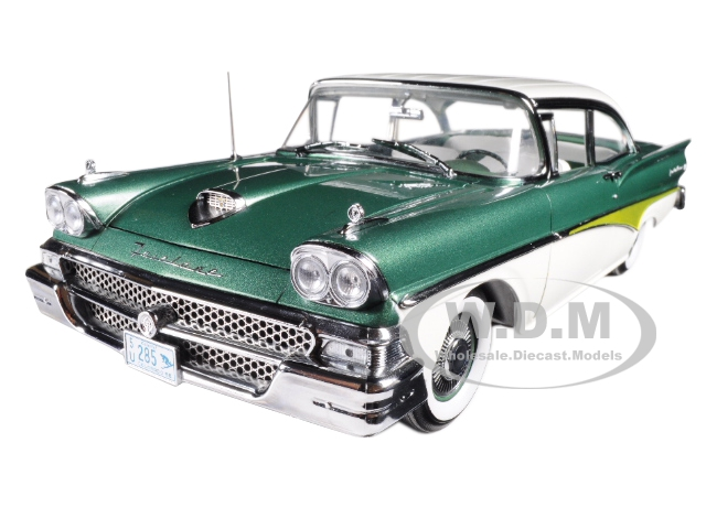 1958 Ford Fairlane 500 Hard Top Silvertone Green and White