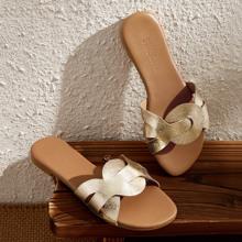 Zapatillas de color metalico de punta abierta