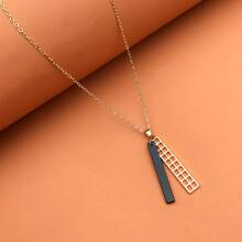 Hollow Out Geometric Charm Necklace