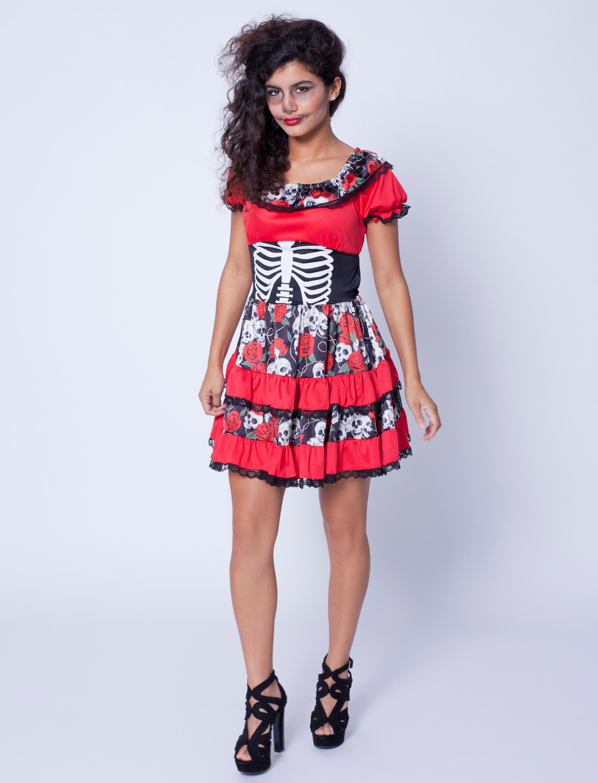 Kleid mit Totenkopfen