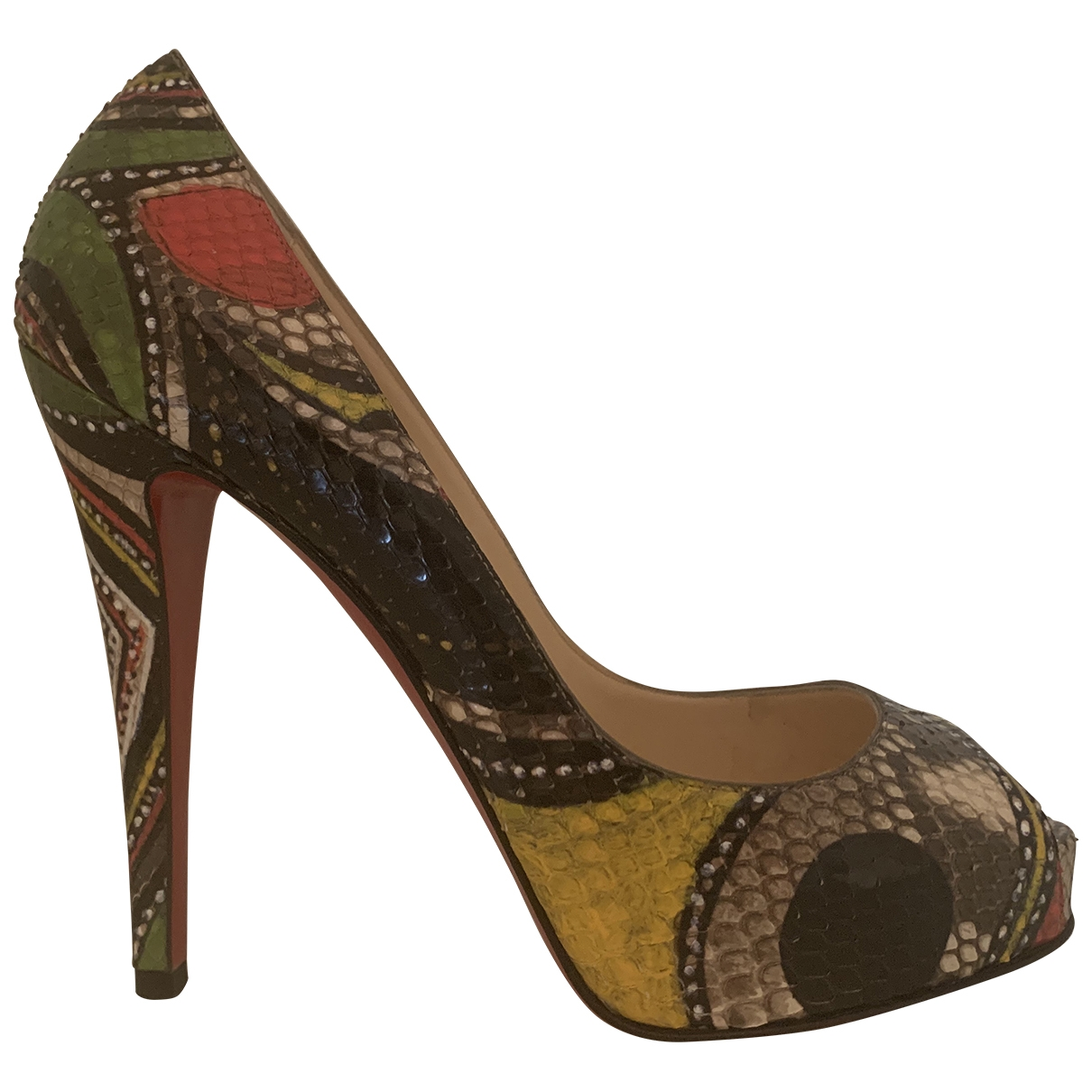 Christian Louboutin Very Prive Pumps in  Bunt Python