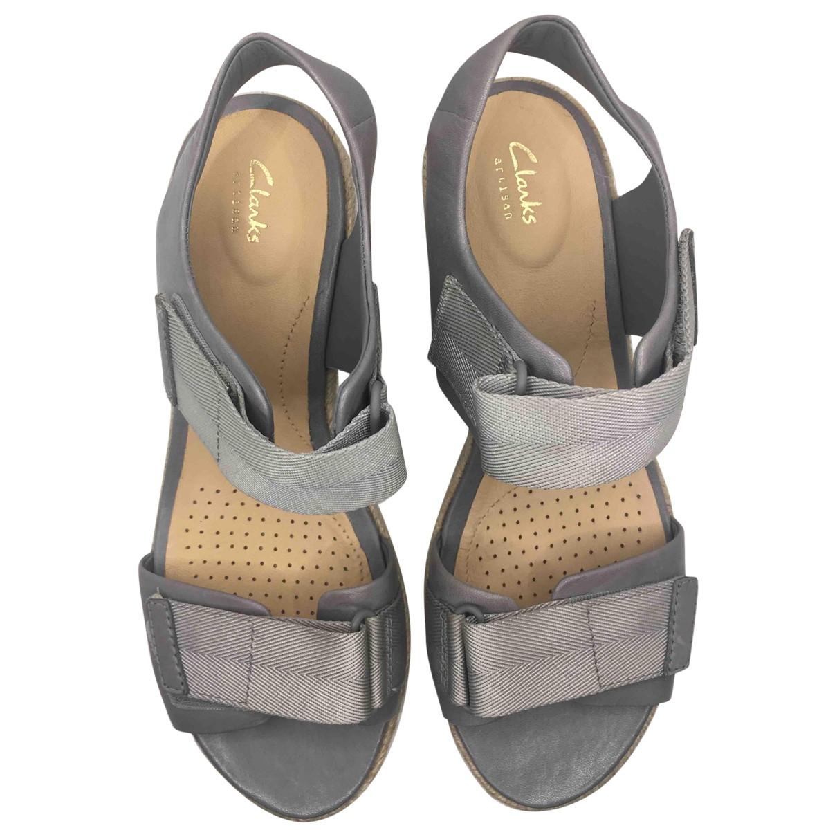 Clarks \N Sandalen in  Grau Leder