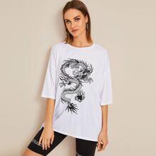 Camiseta amplia de hombros caidos con estampado de dragon
