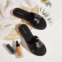 Zapatillas con tiras cruzadas de punta abierta
