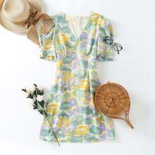 Vestido con estampado floral de manga farol