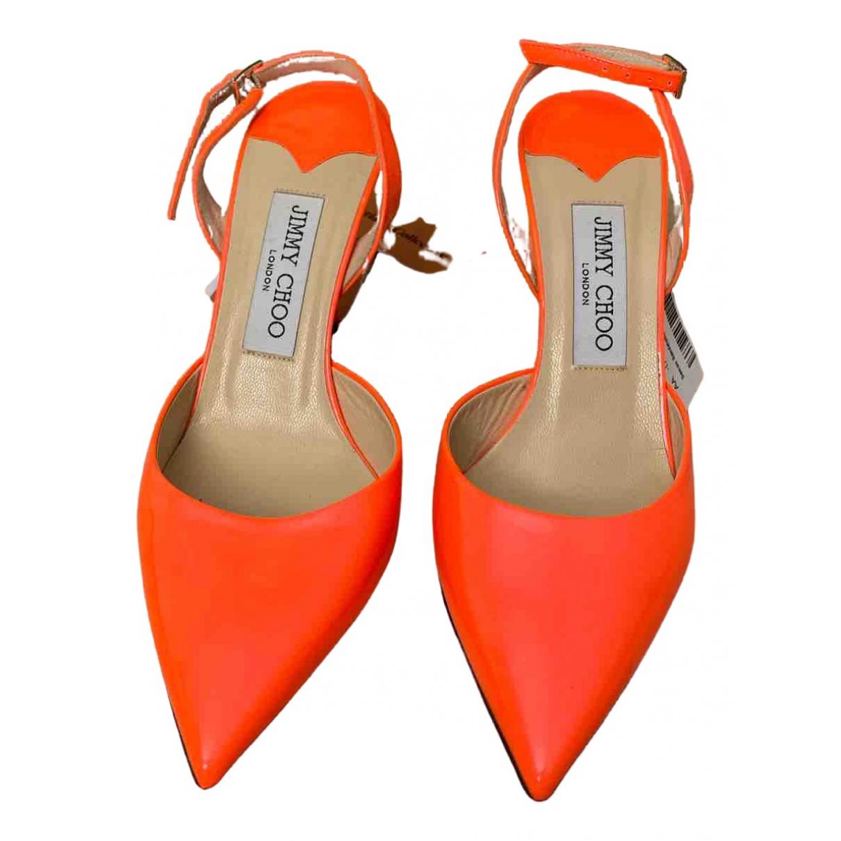 Jimmy Choo \N Pumps in  Orange Lackleder
