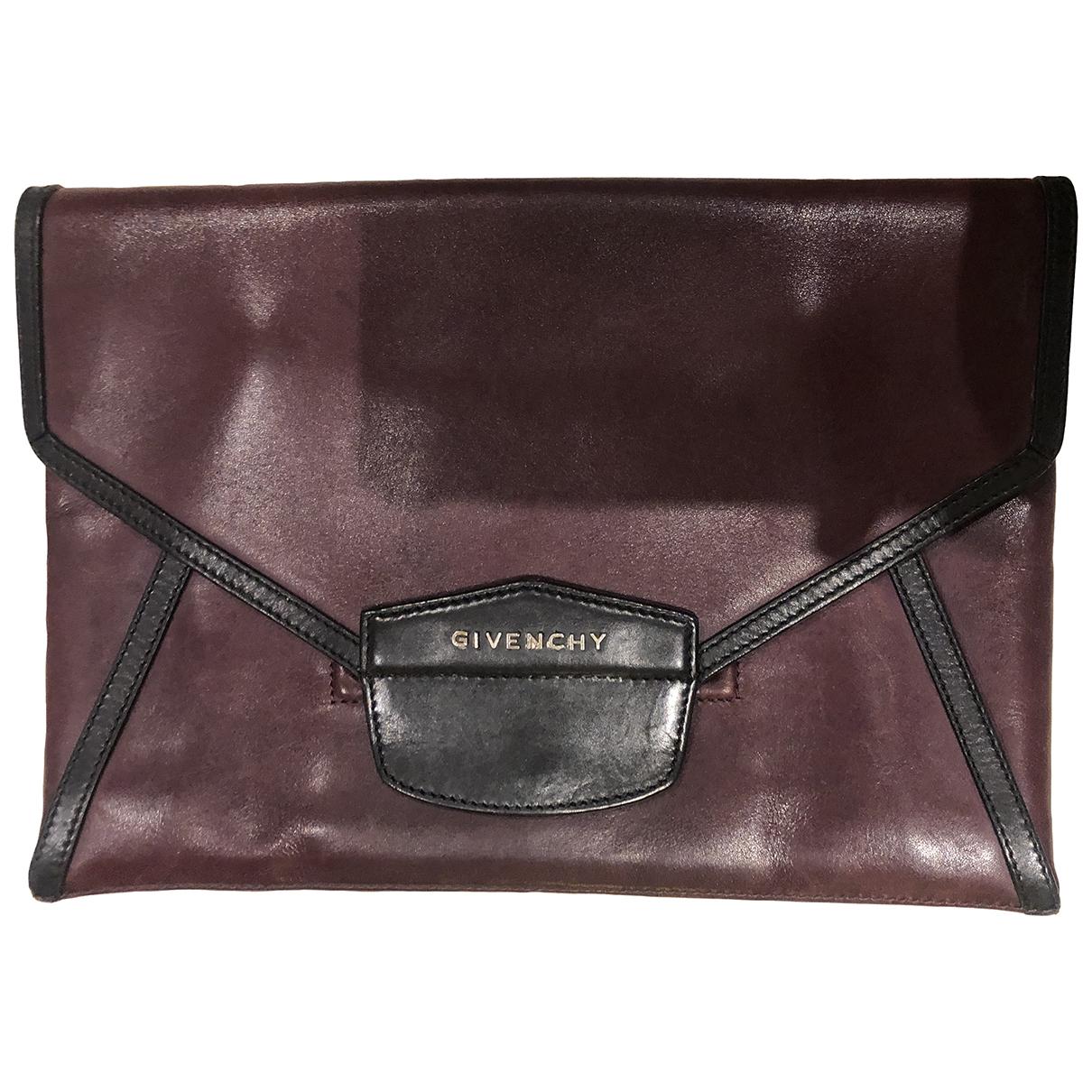 Givenchy Antigona Clutch in  Lila Leder