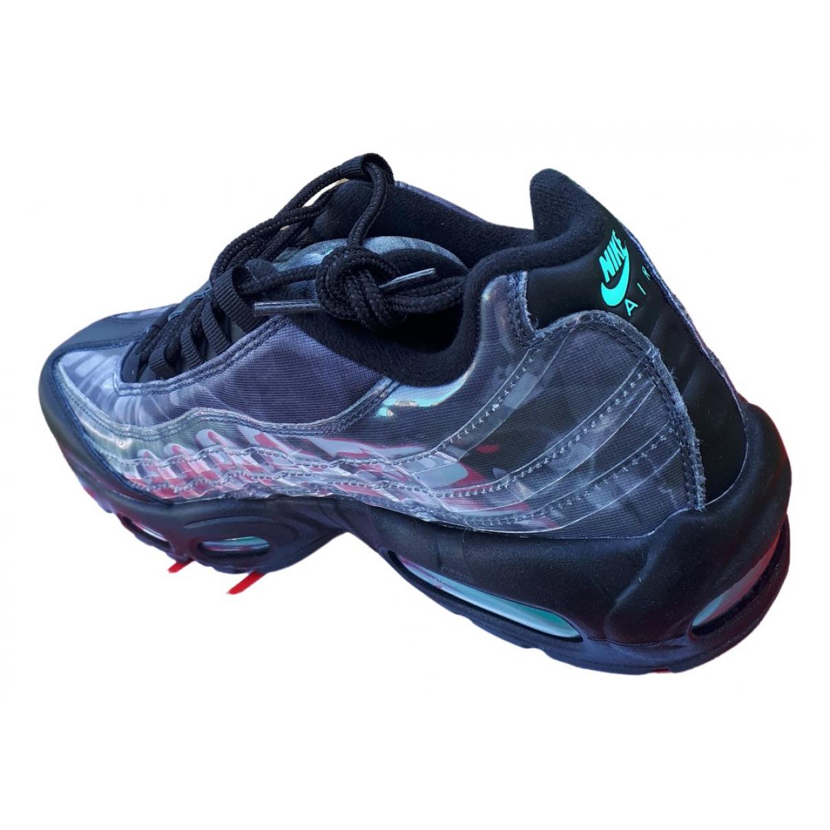 Nike Air Max 95 Sneakers in  Grau Leder