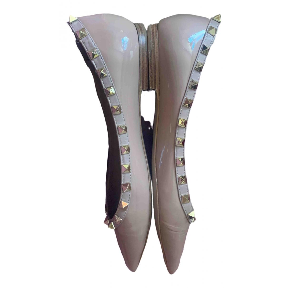 Valentino Garavani Rockstud Beige Patent leather Ballet flats for Women 39 EU
