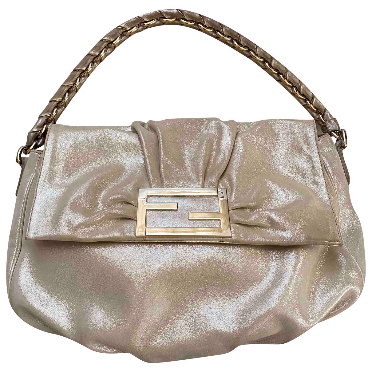 Fendi Mamma Baguette  Gold Leather handbag for Women \N