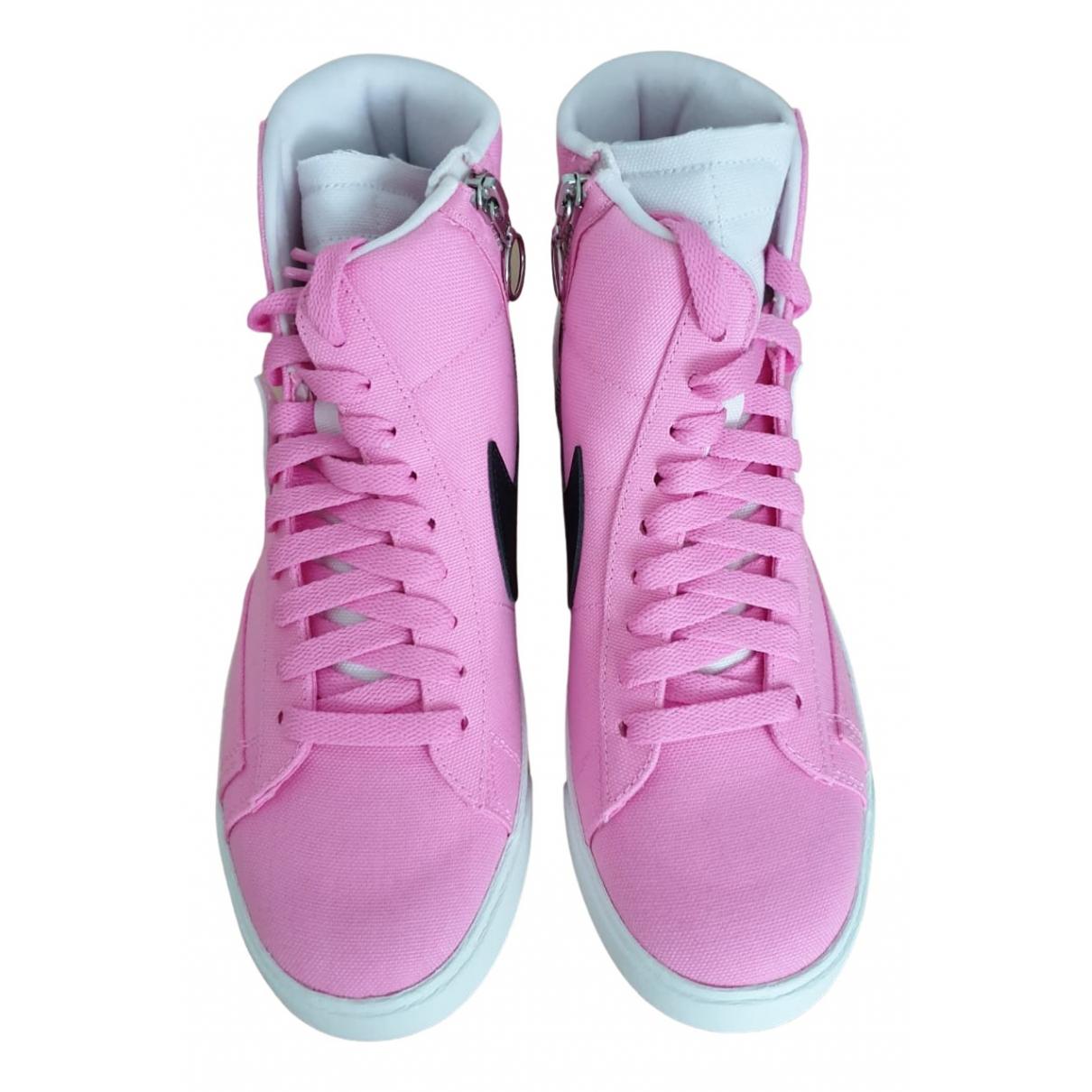 Nike - Baskets Blazer pour femme en toile - rose