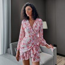 Double Crazy Kleid mit Rueschenbesatz, Wickel Design, seitlichem Band und Blumen Muster
