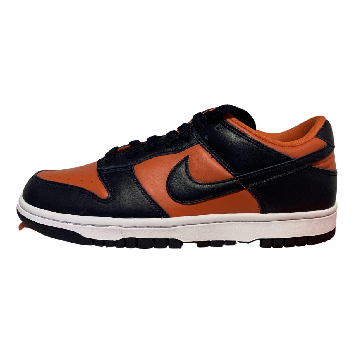 Nike SB Dunk  Sneakers in  Orange Leder