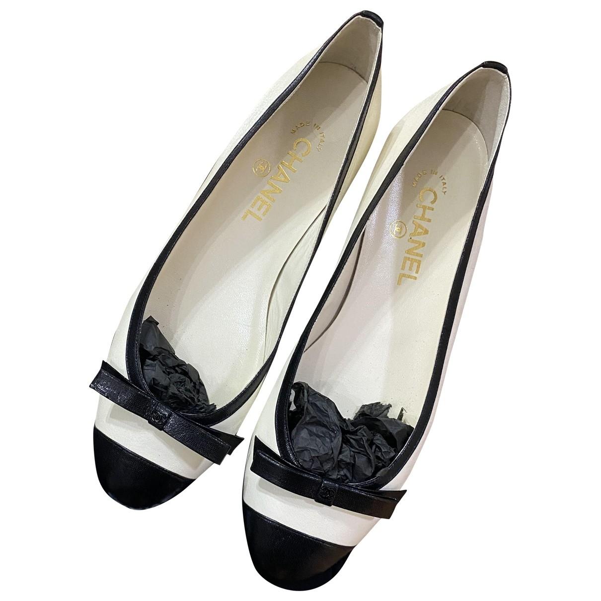 Chanel \N Ballerinas in  Bunt Leder