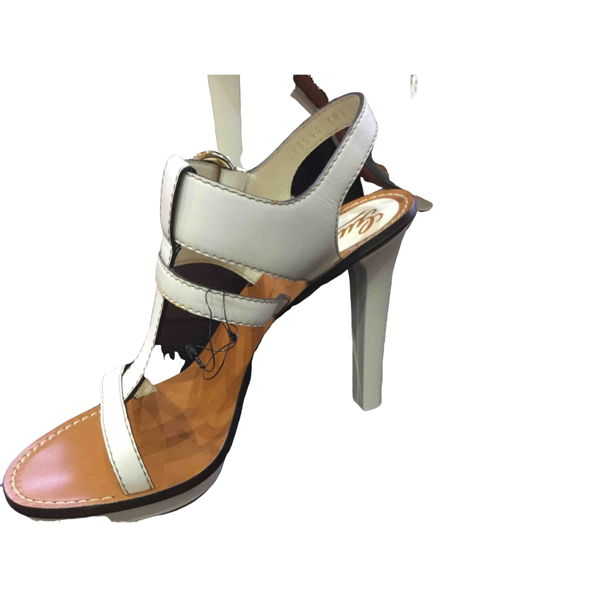 Gucci \N White Leather Sandals for Women 38.5 EU